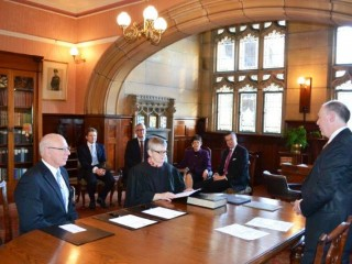 20150626 HE sworn in as Administrator of the Government of the Commonwealth of Australia 01